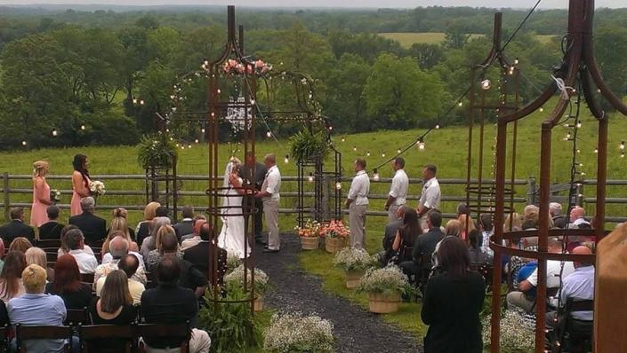 Outdoor ceremony ]